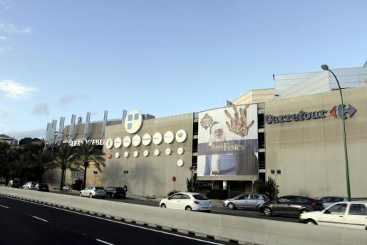 Exterior del centro comercial de Porto Pi.