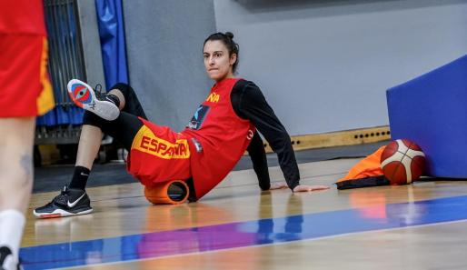 La alero mallorquina Alba Torrens, durante un entrenamiento con la selección.