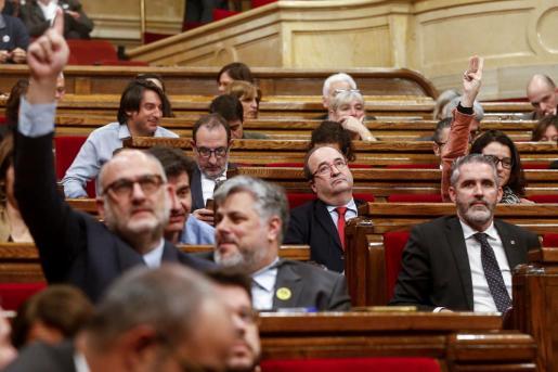 Imagen del pleno del Parlament en el que se ha votado recurrir la retirada del acta de Torra.
