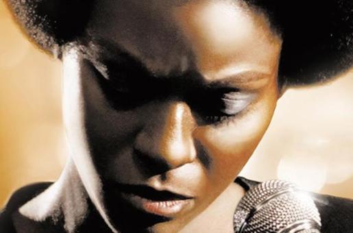 Cantante, compositora y pianista de jazz, blues y soul, Nina Simone (1933-2003) fue además una gran luchadora por los derechos civiles de las personas de ascendencia africana.