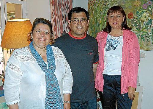 Catalina Maria Pol, Pedro Boades y Xisca Martorell.