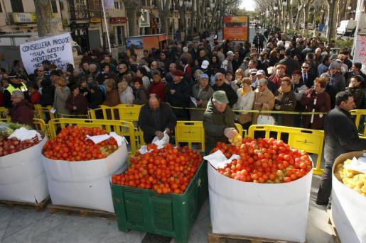 Imagen de archivo de una protesta de los agricultores por los bajos precios de los productos.