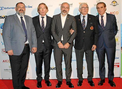 Manel Porras, Dino Jaume, Andreu Serra, Gonzaga Escauriaza, presidente de la Real Federación Española, y Tolo Tous.