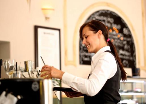 Un hotel o restaurante de temporada no comenzará su actividad mientras no asegure cubrir sus costes variables.