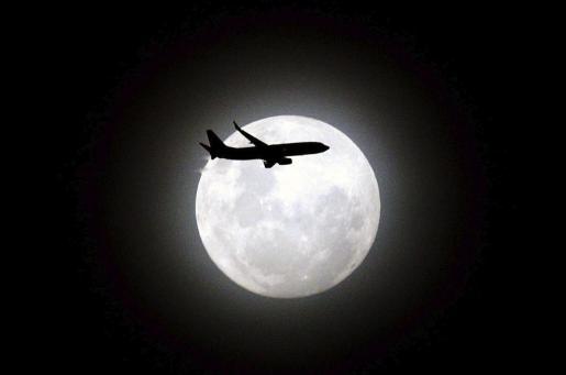 Este fenómeno es consecuencia de la mayor cercanía de la Luna llena a la Tierra.