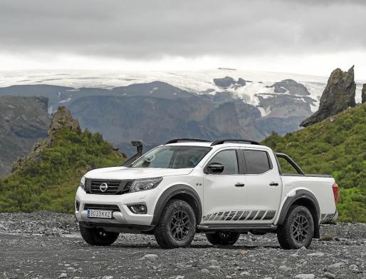 El Nissan Navara Off-Roader AT32 estará disponible en los concesionarios a finales de este mes de febrero.