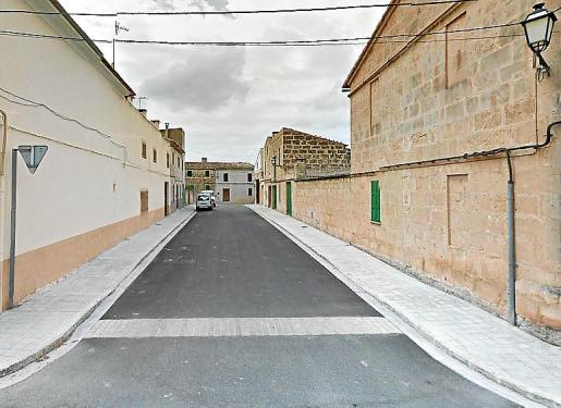 Imagen de la calle donde se ubicaba el taller en Petra.