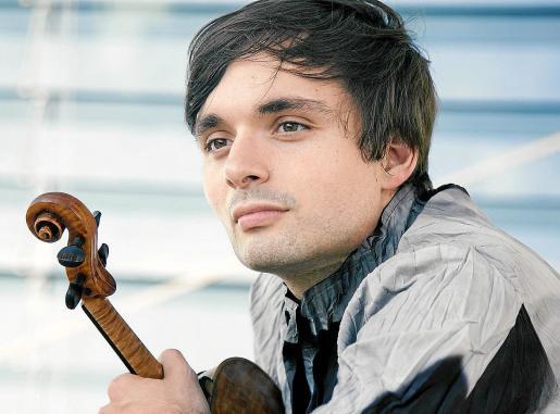 El violinista mallorquín Francisco Fullana, en una imagen promocional reciente.