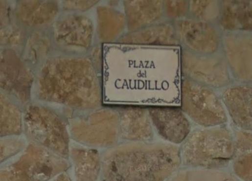 Plaza dedicada a Franco.