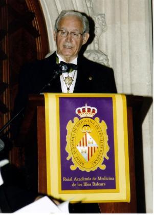 El Dr. Bartomeu Anguera, presidente de la Academia de Medicina