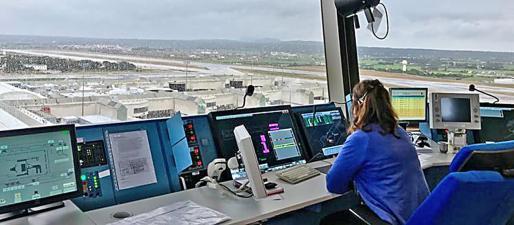 La capacidad de movimientos de aviones por hora no variará con la ampliación de las instalaciones en el recinto aeroportuario.