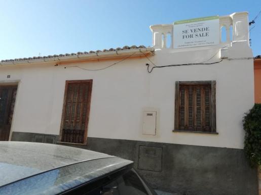 Imagen de la casa donde Alzina Living quería poner un restaurante y que ahora vende.