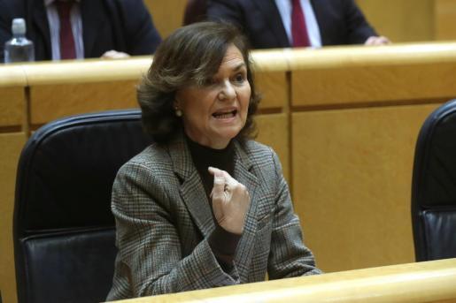 La vicepresidenta primera del Gobierno, Carmen Calvo, este martes, durante la sesión de control al Gobierno en el Senado.