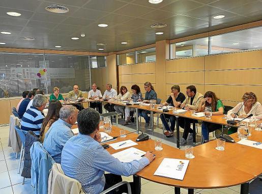 Vista de una sesión plenaria de la FELIB, con presencia de alcaldes de todos los municipios.