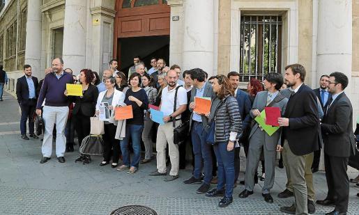 Los abogados del turno de oficio encadenan alrededor de dos años de protestas reiteradas, como es el caso de la concentración de hace unos meses que aparece en la imagen.