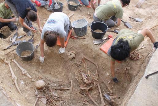 Imagen de archivo de una exhumación de fosas.
