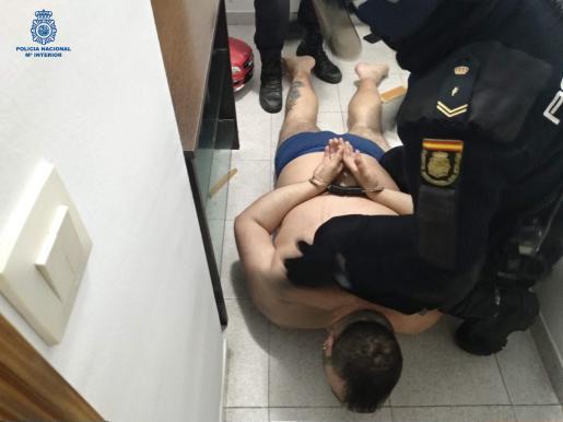 Imagen de uno de los detenidos por la Policía Nacional en la operación antidroga.