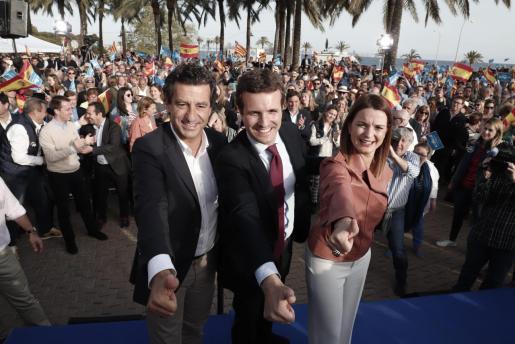 Biel Company, Pablo Casado y Margalida Prohen en un acto de campaña celebrado en Palma.