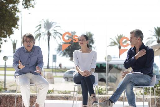 Xavier Pericay, Inés Arrimadas y Toni Cantó y Xavier Pericay en un acto celebrado en Palma cuando Pericay lideraba Ciudadanos en Baleares.
