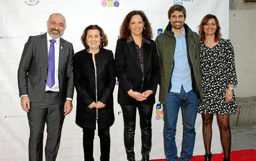 Andreu Serra, Fina Santiago, Catalina Cladera, Carles Gonyalons y Marga Portells.