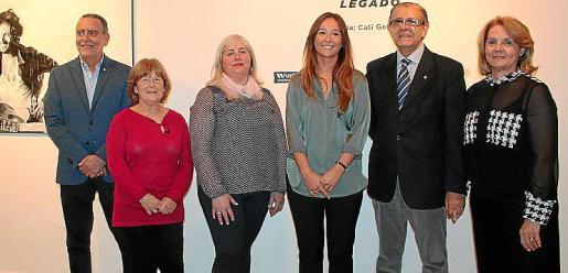 Joan Sastre, Teresa Moranta, Cati Gelabert Niell, Marina Pipkin, el presidente del club rotario, Daniel Samaniego, y Lourdes Vaesken.
