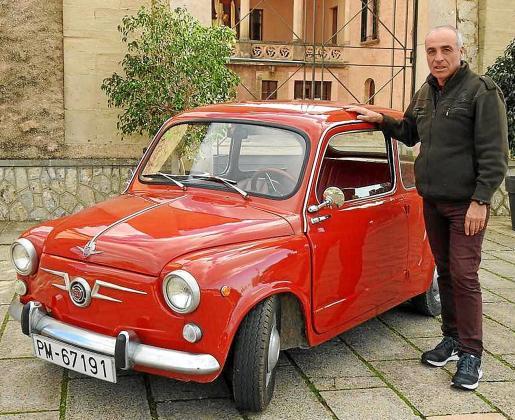 Blas Méndez compró hace dos años este vehículo para disfrutar de su conducción.