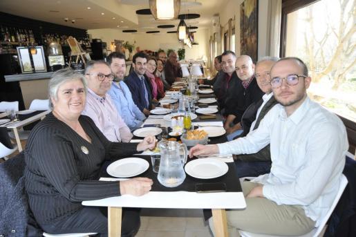 Los representantes del PI desayunaron juntos en un encuentro informal.