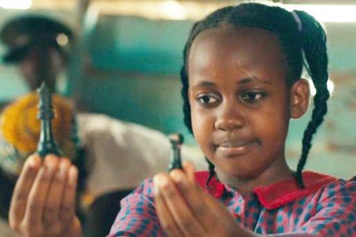 Nikita Pearl Waligwa saltó a la fama por su papel de Gloria en la película de Disney 'Queen of Katwe'.