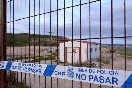 La Policía Nacional ha precintado el vertedero de Valdeseñor en Palencia, mientras investiga si la mujer detenida habría abortado y se habría deshecho del feto tirándolo a la basura.