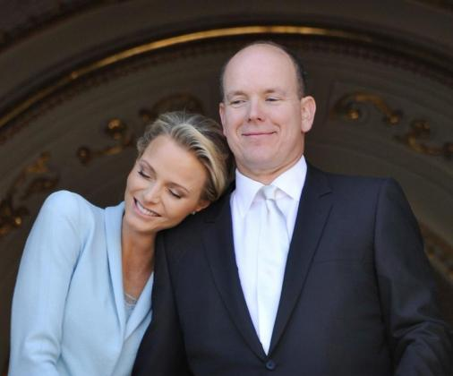 La princesa Charlene Wittstock (i) y Príncipe Alberto de Mónaco (d), en una imagen de archivo.