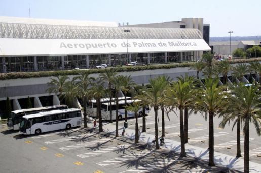 Vista general de la entrada al aeropuerto de Palma.