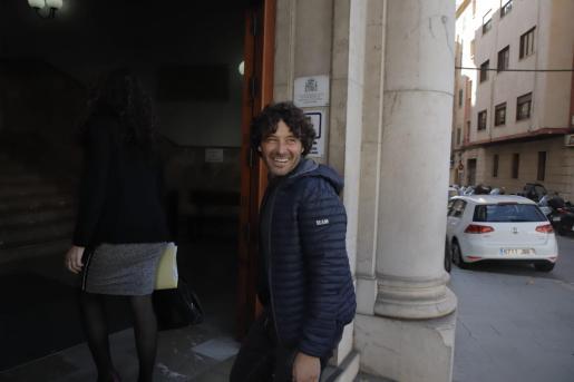 Jaume Garau entrando a los juzgados de Palma.