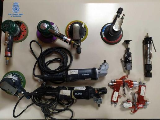 Algunas de las herramientas recuperadas por la Policía Nacional.