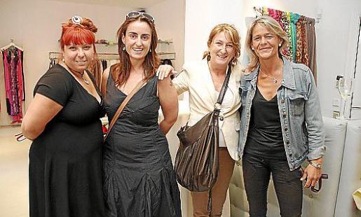 Esther Gallegos, Isabel Martin, Carolina Martin y Beatriz Alonso-castrillo