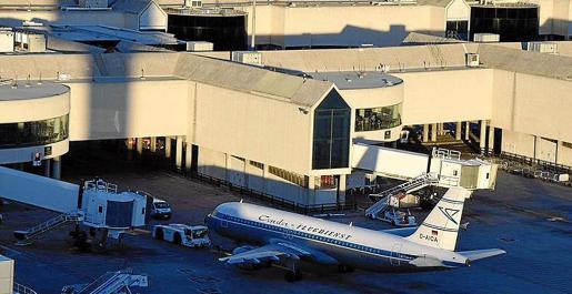 El edificio terminal del aeropuerto de Palma fue inaugurado en abril de 1996 y en más de veinte años no se han llevado a cabo actuaciones importantes, según AENA. El objetivo del proyecto de obras es modernizar una infraestructura y mejorar todos sus servicios a pasajeros y operadores.