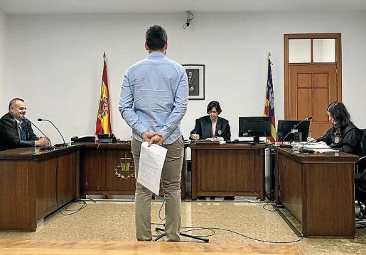 El acusado, en el juicio celebrado en Palma.