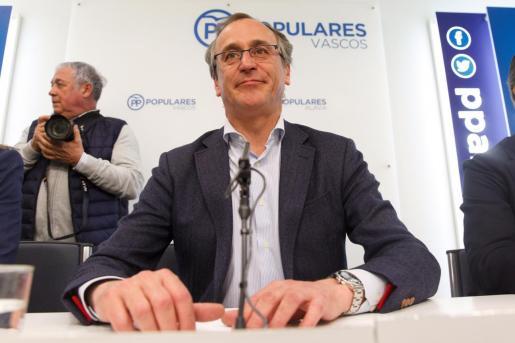 Alonso ha comunicado su decisión de dimitir como presidente del PP de Euskadi a los miembros de la junta directiva.