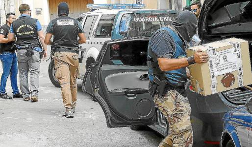 El ECO (Equipo contra el Crimen Organizado) de Mallorca y el Grupo de Investigación Financiera (GIF), ambos de la Unidad Central Operativa (UCO). Europol y la Agencia Tributaria han colaborado en las diligencias.