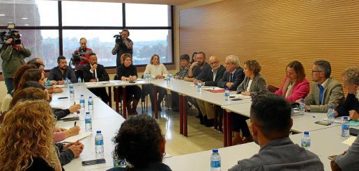 La nueva delegada del Gobierno, Aina Calvo, se reunió con los alcaldes en sa Màniga.