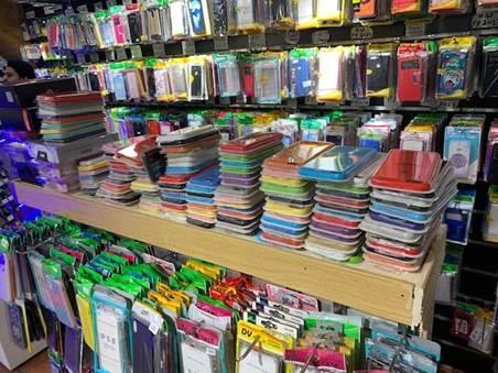 Las diferentes inspecciones se realizaron en comercios donde se vendían dispositivos de telefonía y accesorios.