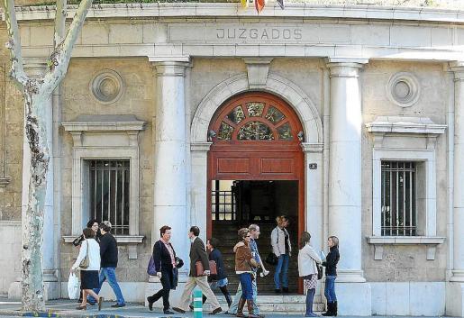 Entrada principal de los juzgados de Vía Alemania de Palma.