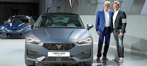 La marca automovilística ha presentado la familia del primer Cupra León.