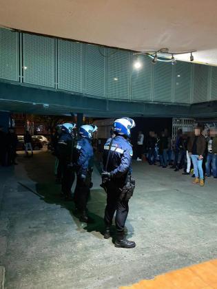 Fuerte presencia policial durante los operativos para evitar incidentes.
