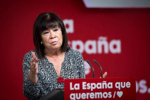 La presidenta del PSOE, Cristina Narbona, durante la rueda de prensa posterior a la comisión ejecutiva del partido socialista celebrada este lunes en la sede del partido en la calle Ferraz en Madrid.