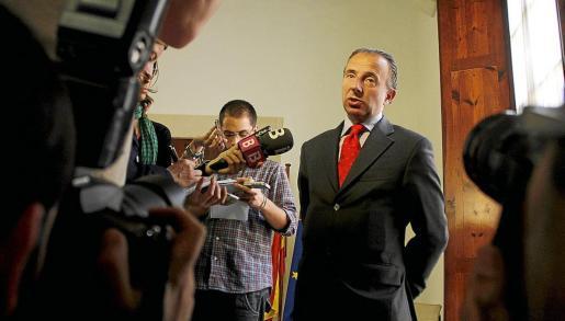 El conseller de Turisme, Carlos Delgado, ha contratado a su ex asesor en la Escola Balear de l'Esport.