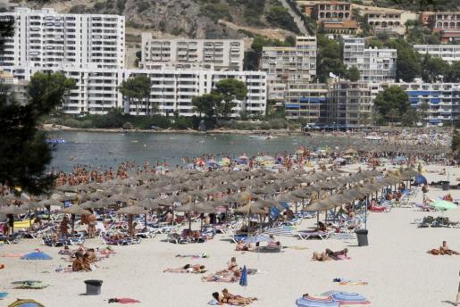 Imagen de archivo de la playa de Santa Ponça.