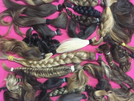 Cabellos donados para hacer pelucas.