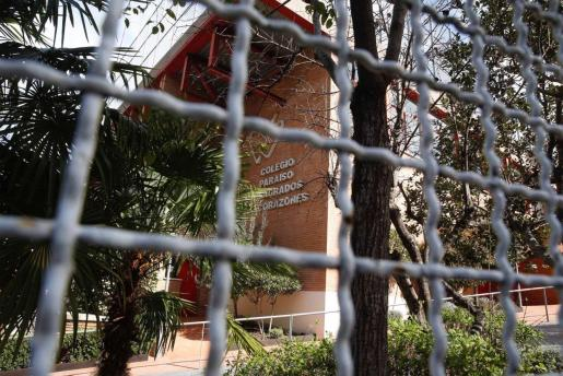 Vista de una de las fachadas del colegio Paraíso Sagrados Corazones de Madrid en el que una niña de 4 años ha sido contagiada por coronavirus.