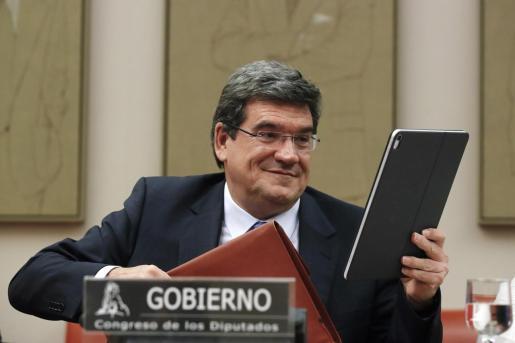 El ministro de Seguridad Social, Inclusión y Migraciones, José Luis Escrivá, durante su comparecencia en la Comisión del Pacto de Toledo para detallar las líneas de actuación del Gobierno en materia de pensiones, este jueves en el Congreso de los Diputados.