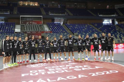 Imagen de la plantilla del Palma Futsal en el Martín Carpena de Málaga en el que se disputa la Copa de España de fútbol sala